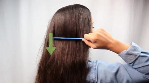 BRUSH YOUR HAIR THE RIGHT WAY large - MCSARA Hair