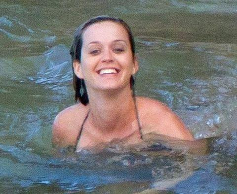 Katy Perry was spotted swimming large - MCSARA Hair