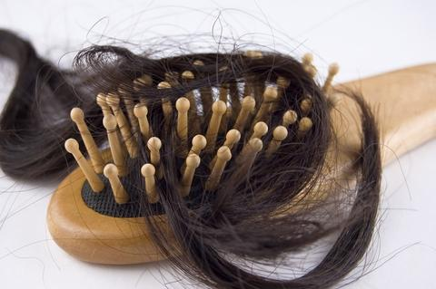 PREVENT THE HAIR LOSS FROM SMALL BAD HABITS large - MCSARA Hair