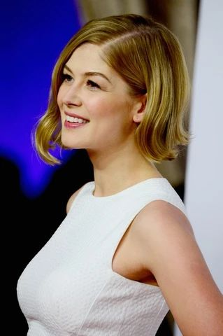 Rosamund Pike s Short Hairstyles For What s Called The Work Of Art large result - MCSARA Hair