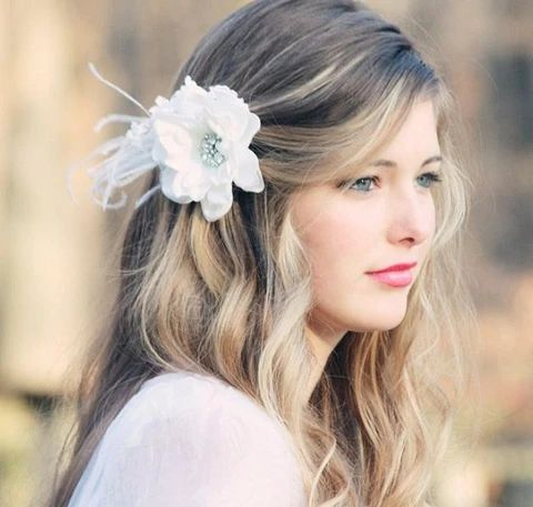 Simple gently wavy bridal hairstyle 1 large result - MCSARA Hair