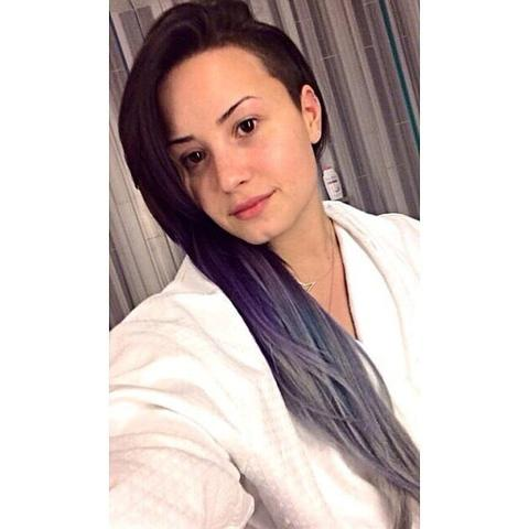 Some more images of Demi Lovato without makeup large