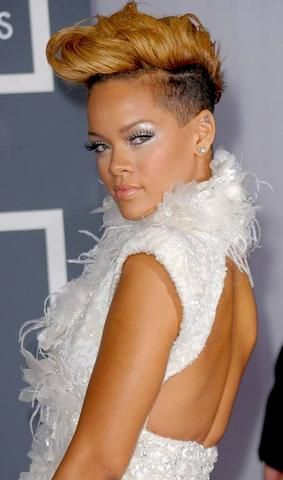 mcsara 50 Best Rihanna Short Hairstyles 2 large - MCSARA Hair