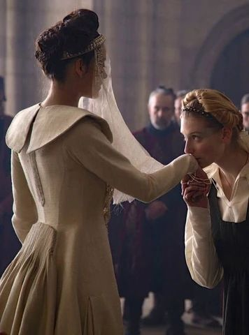 mcsara Elizabeth Debicki in the right with a French braid large - MCSARA Hair