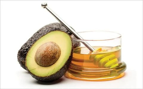 mcsara How to care for your hair with honey and avocado large - MCSARA Hair