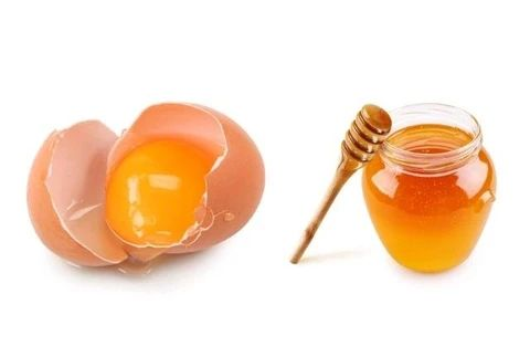 mcsara How to incubate your hair using honey and chicken eggs large - MCSARA Hair