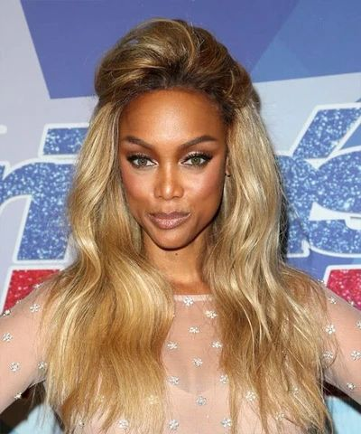mcsara Long Wavy hairstyle brown and blonde ombre hair color large - MCSARA Hair