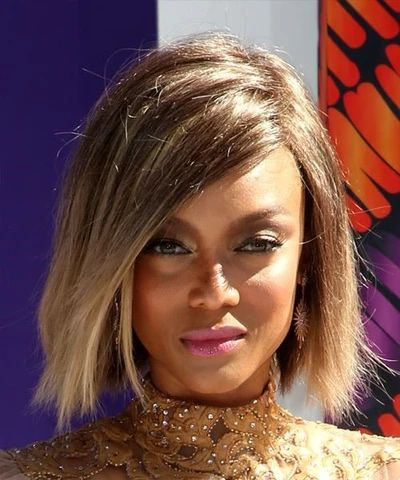 mcsara Side parted straight bob hairstyle Brunette and light blonde two tone hair color large - MCSARA Hair